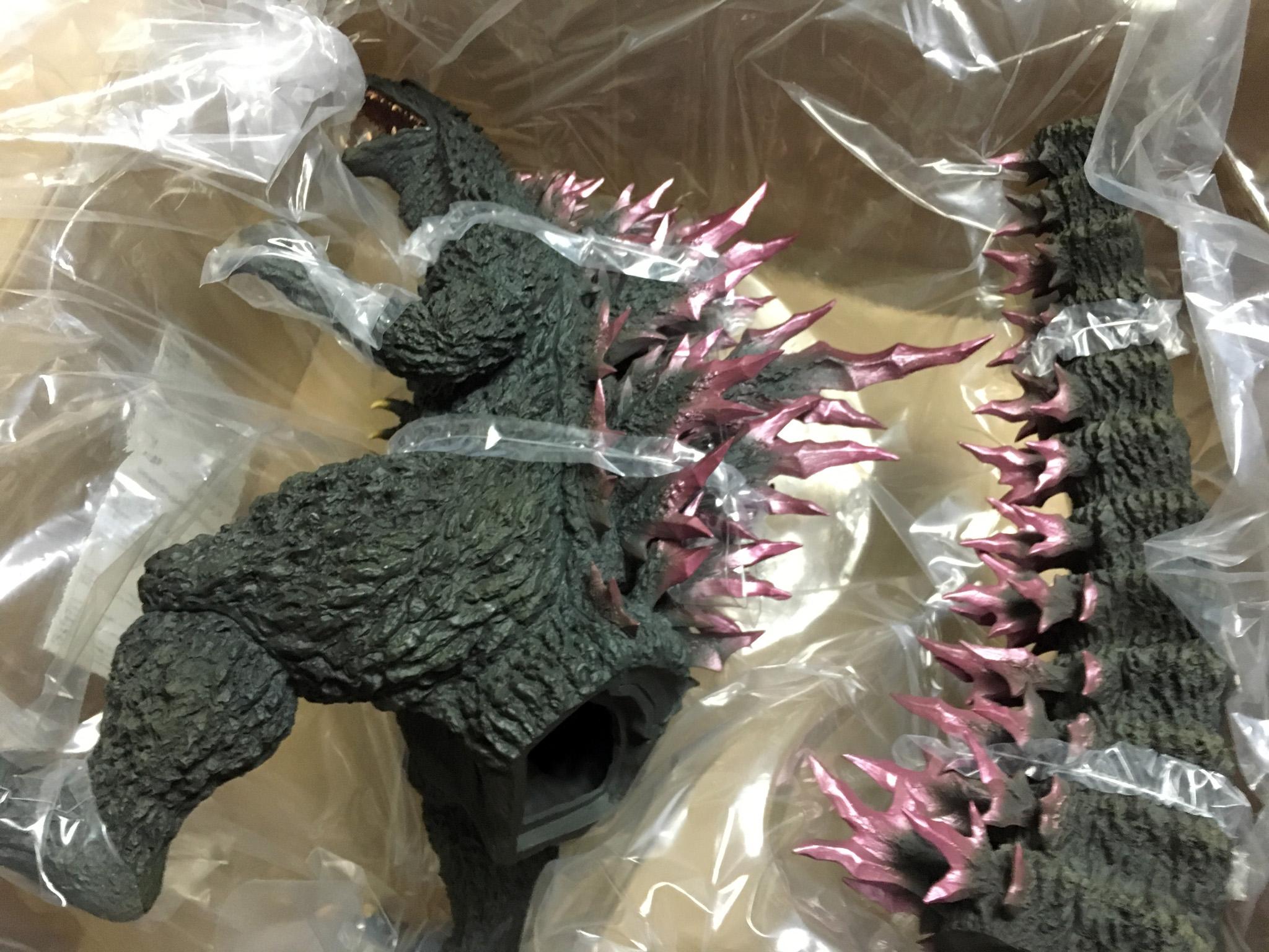 ギガンティックシリーズ 酒井ゆうじ 造形コレクション ゴジラ1999 梱包状態